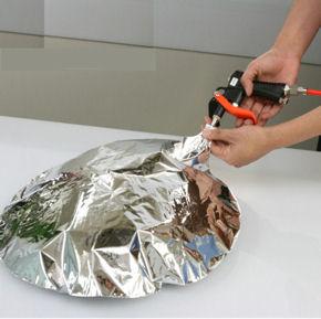 ガンタイプ注入器はヘリウムガスアルミ風船(UFO)を作成するのに便利です。